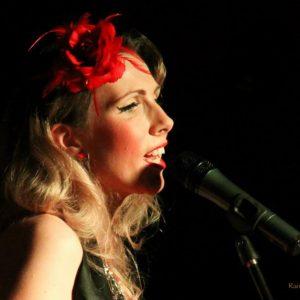 Jayne Darling Burlesque and Cabaret Singer